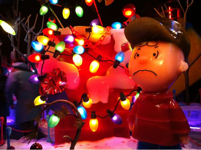 charlie brown and snoopy - Snoopy Christmas Lights
